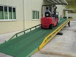 Plataforma elevatória rebocável usada