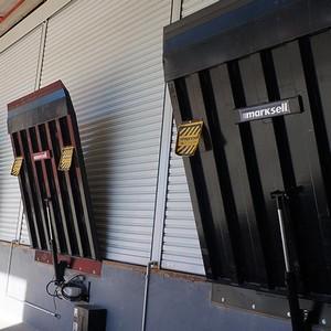 Plataformas niveladoras eletro hidráulicas de doca